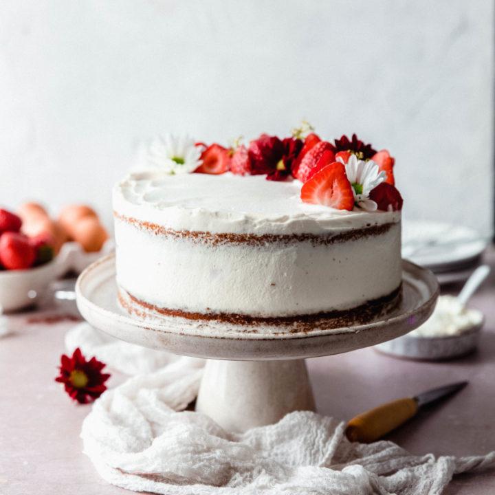 Layer cake fraises amandes